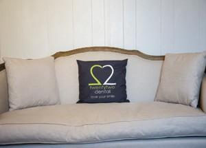 0023_cushion2